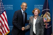 Móra Veronika az Ökotárs igazgatója és Barack Obama
